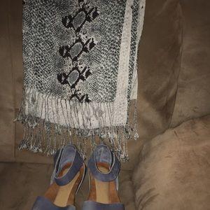 FOOT PETAL